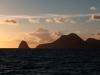 Hms Diamond rock o zachodzie słońca