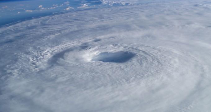 Chmurne oblicze kapitana #11: 12 różnic pomiędzy cyklonami tropikalnymi i ekstratropikalnymi, o których nie masz pojęcia