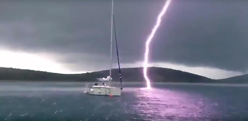 7 zjawisk meteorologicznych, z którymi nie wygrasz na wodzie