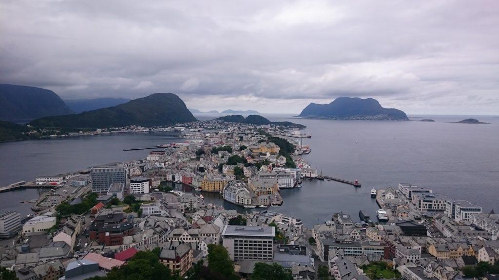 Ålesund w całej okazałości, stąd już tylko rzut beretem do Koła Podbiegunowego